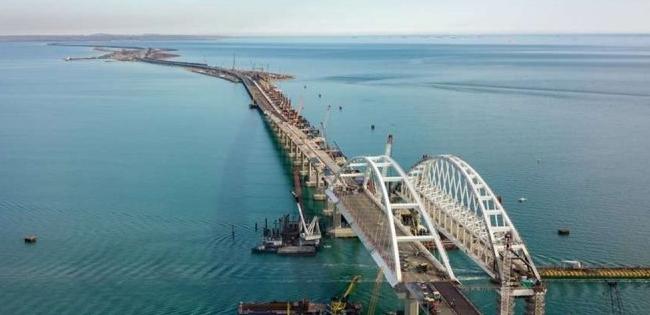 В окупантів паніка через загрозу Кримському мосту (фото)
