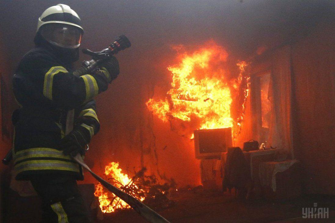 У Луцьку з пожежі рятували два автомобілі