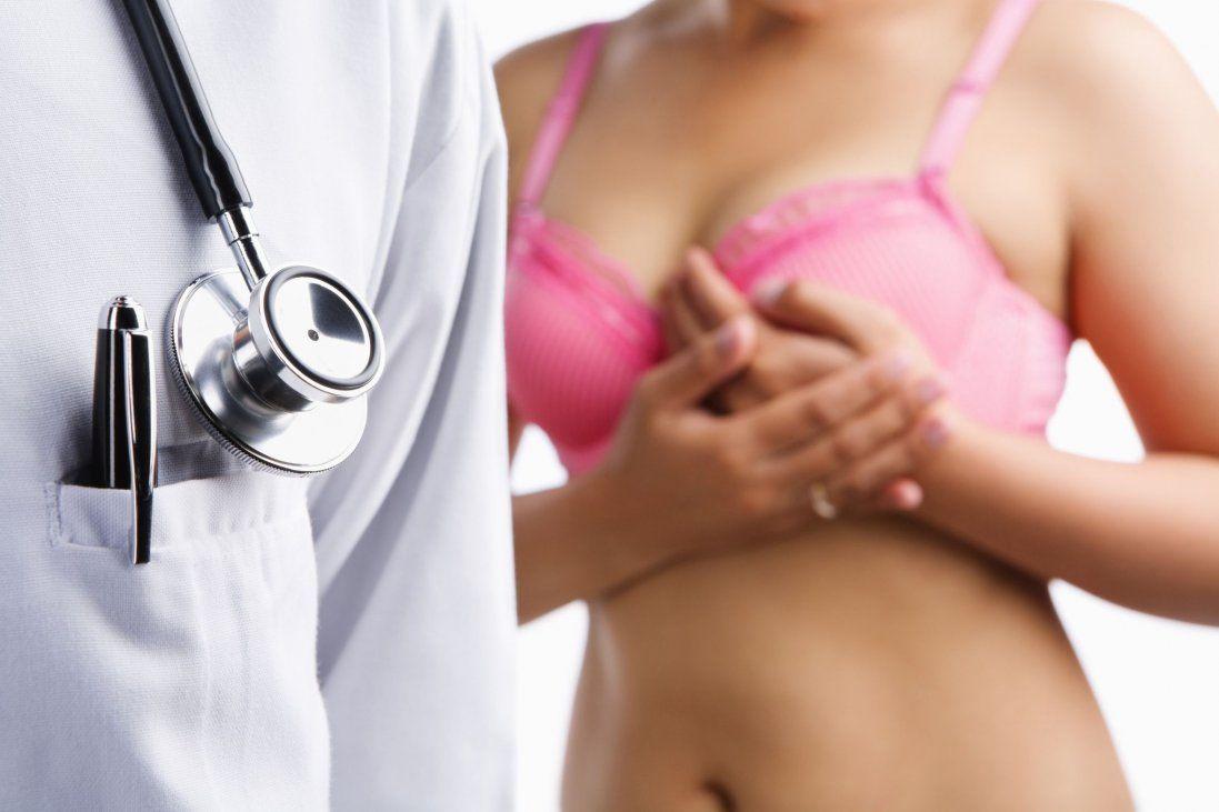 Рак грудей: як перевірити молочні залози та чому важливо обстежуватись