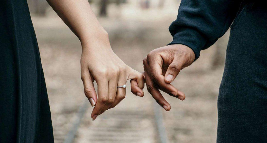 9 річниця весілля: традиції святкування та привітання на фаянсове весілля