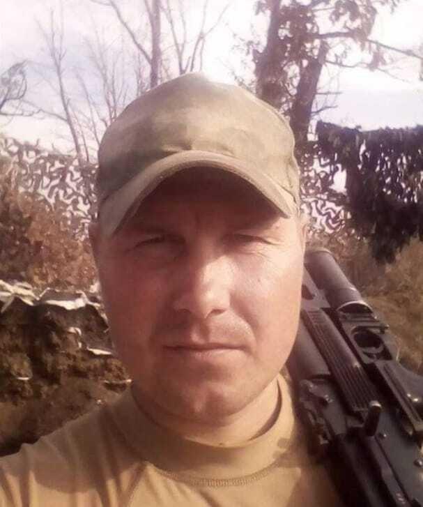 Артем Соколов, 32 роки