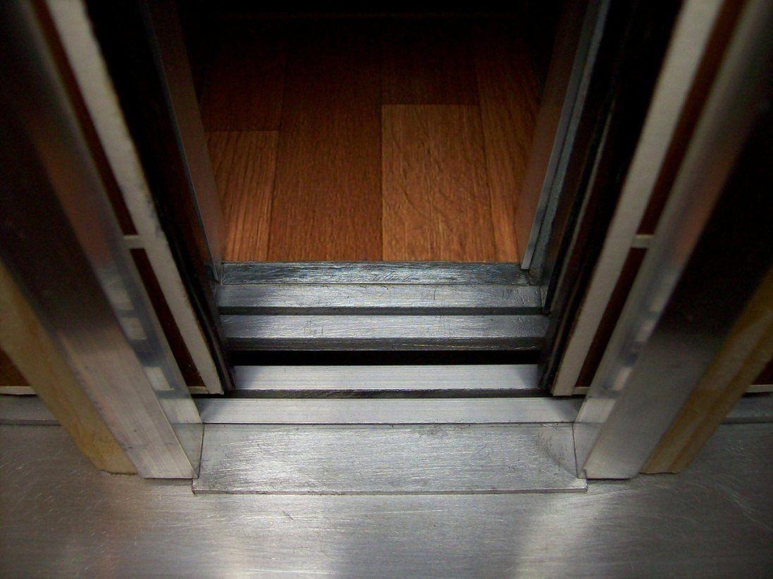 У Луцьку до кінця року мають відремонтувати ліфти: вже відомі адреси багатоповерхівок