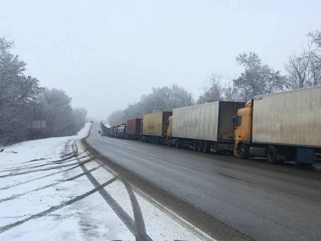 Польща дозволила в'їзд вантажним перевізникам: які вимоги до автомобілів