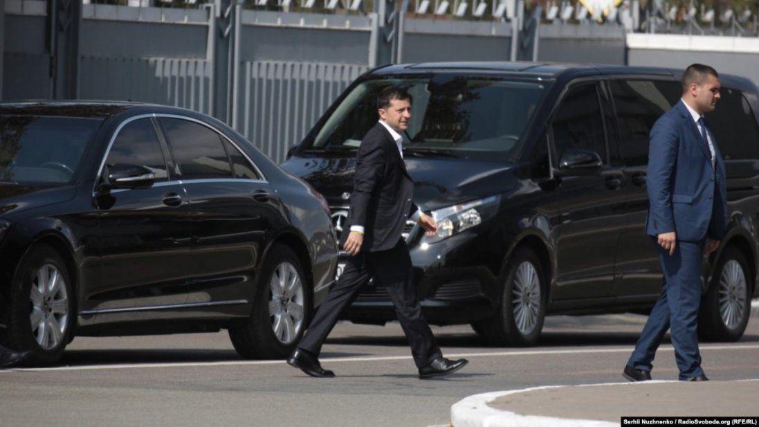 Порівняли з Януковичем: мережу обурила озброєна охорона кортежу Зеленського
