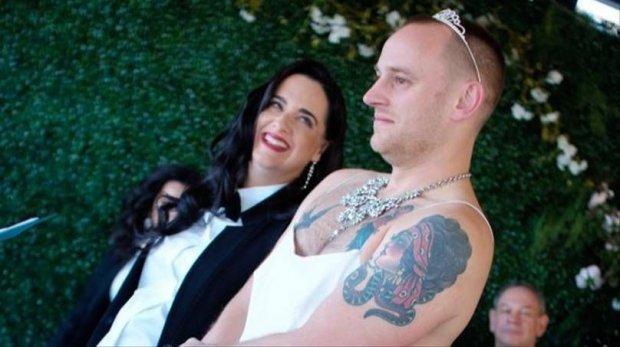 Пара влаштувала всім знайомим незабутнє весілля
