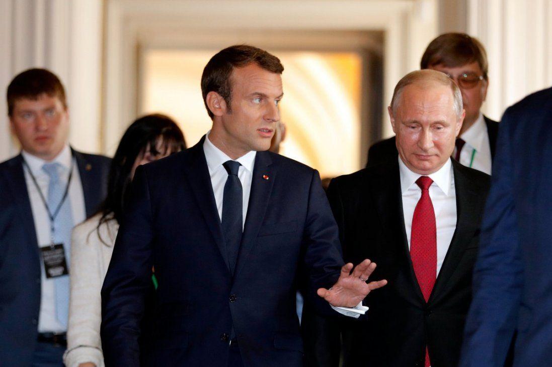 На що піде президент Франції, щоб залишитись лідером Європи