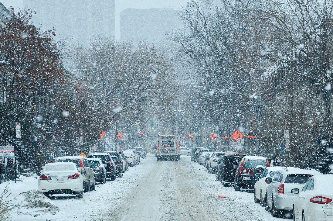 Перший сніг паралізував область (фото)