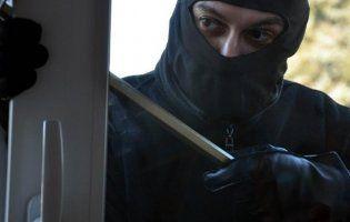 У Луцьку діти впустили грабіжника в квартиру