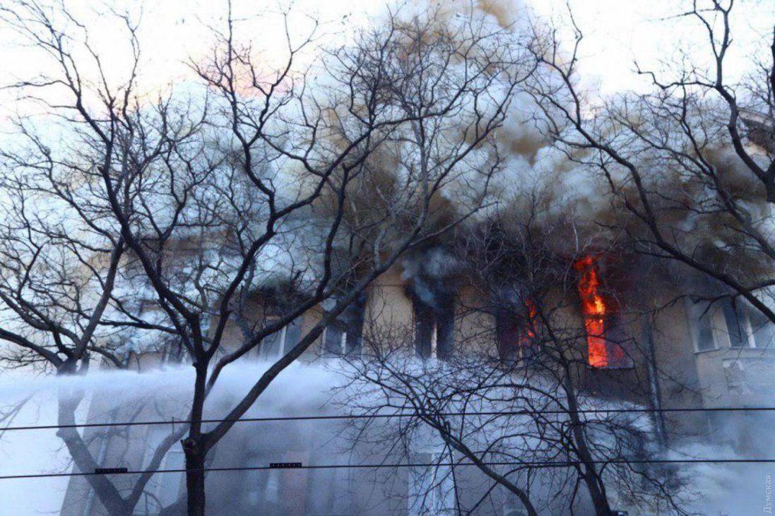 Кількість постраждалих під час пожежі в Одесі зросла до 27