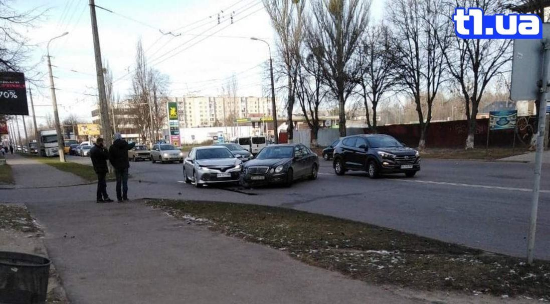 У Луцьку не розминулися Mercedes і Toyota