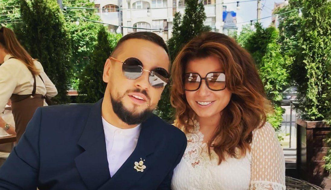Луцький MONATIK прокоментував напівоголений вигляд дружини (фото)