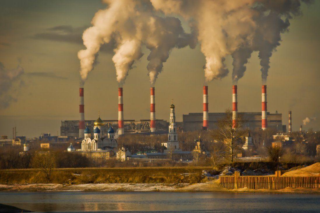 Топ-10 підприємств в Україні, які забруднюють повітря найбільше: який ступінь забруднення у Луцьку (відео)