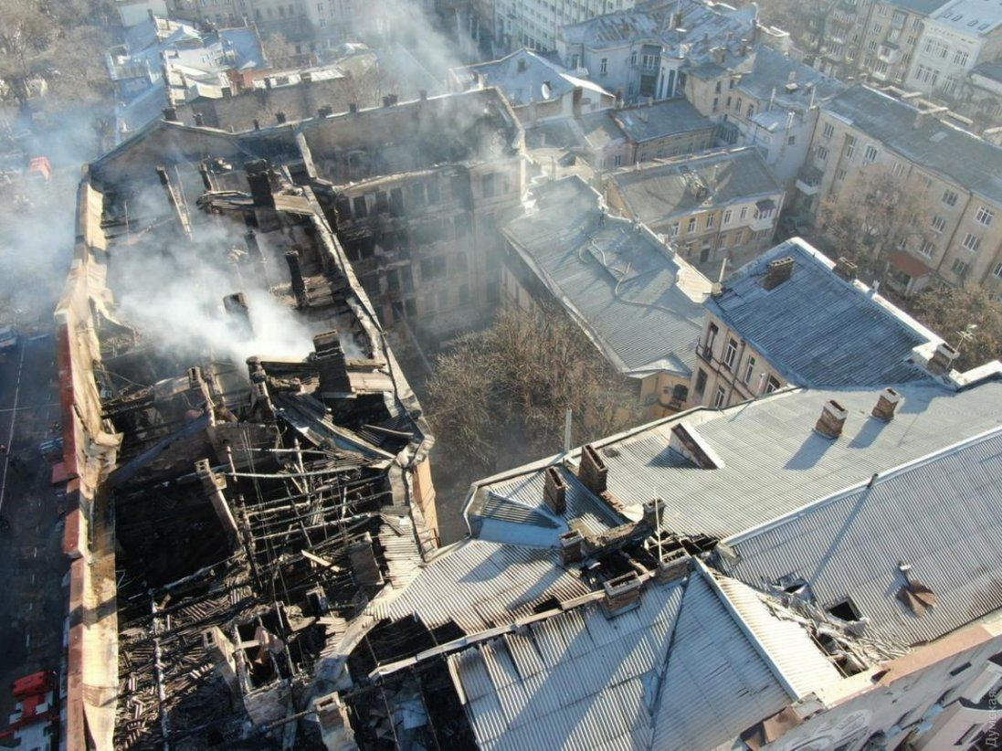 Пожежа в одеському коледжі: кількість жертв зросла до 12