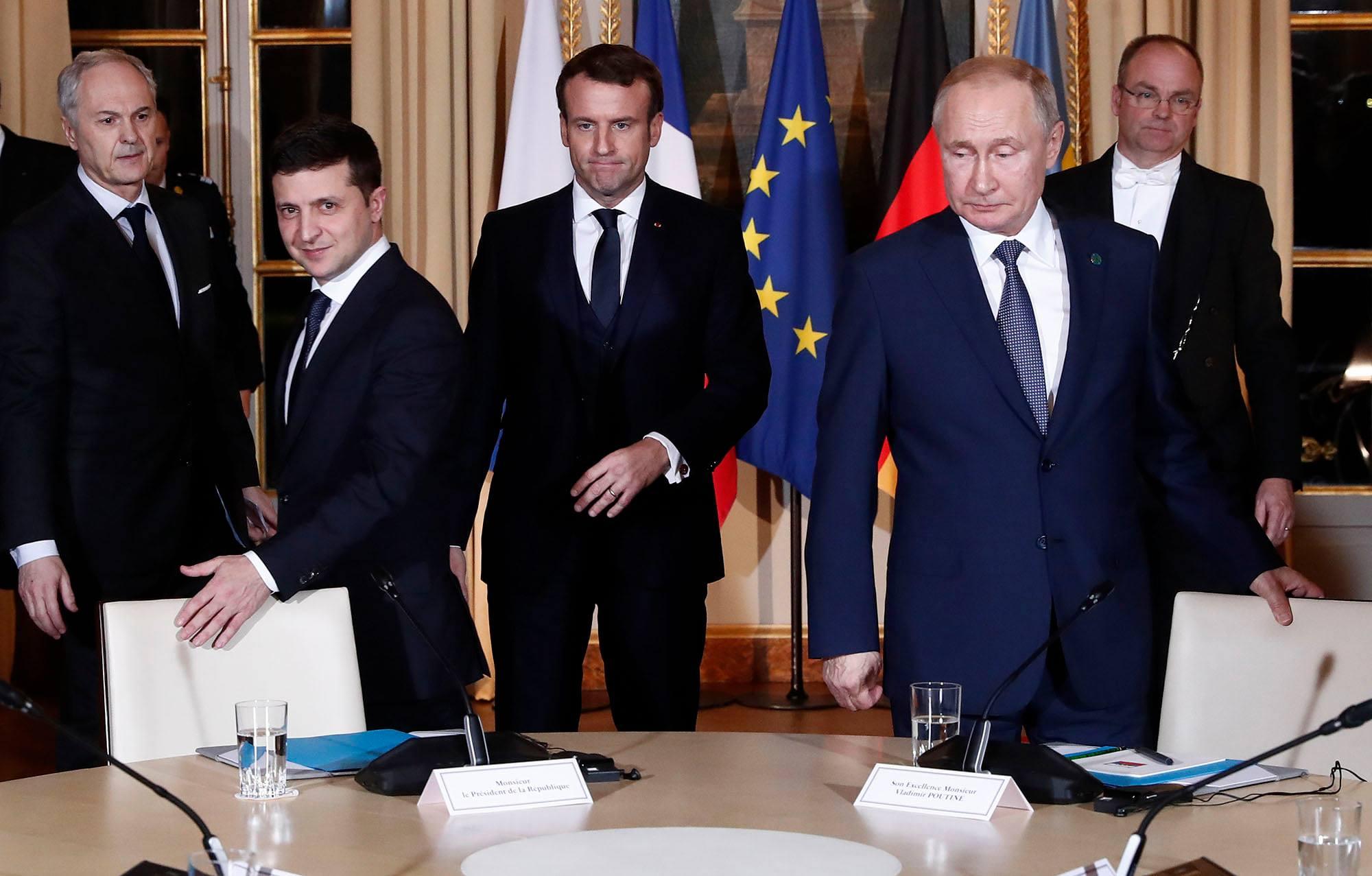 Фото першої зустрічі Путіна і Зеленського