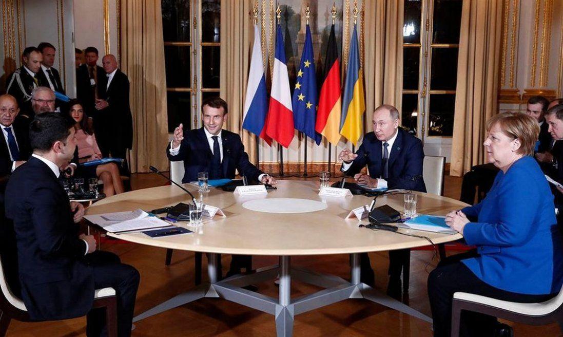 Зеленський і Путін не обговорювали Крим, — Мендель