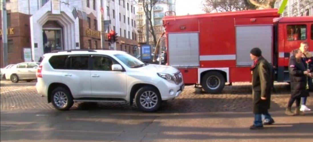 Нардеп «Юзік» продемонстрував автохамство на місці трагедії в Одесі (фото, відео)