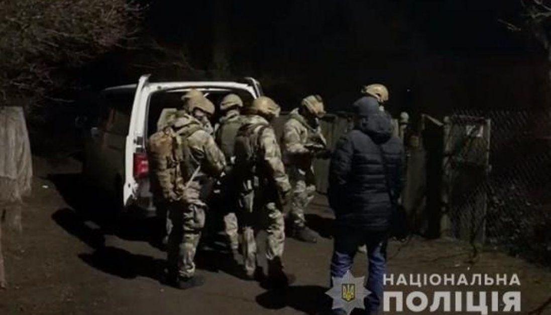 На Київщині чоловік стріляв у патрульних з рушниці