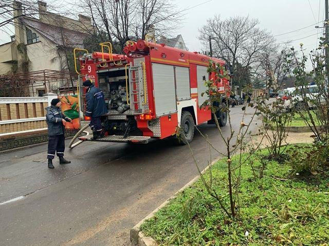 В Одесі гасили пожежу в дитячому садку