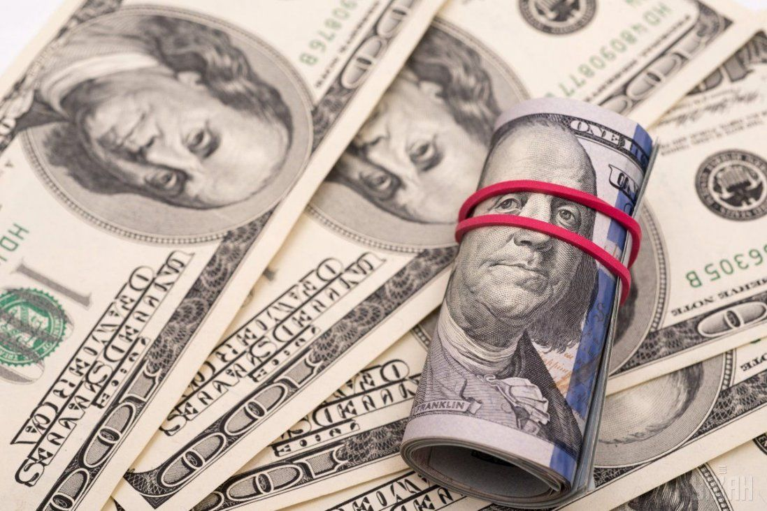 Долар продовжує падати: курс валют на 13 грудня