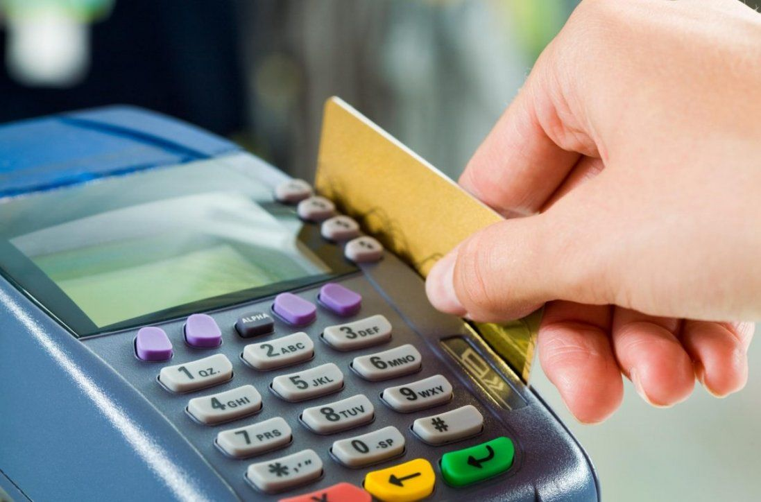У луцькому транспорті можна буде розрахуватися банківською картою