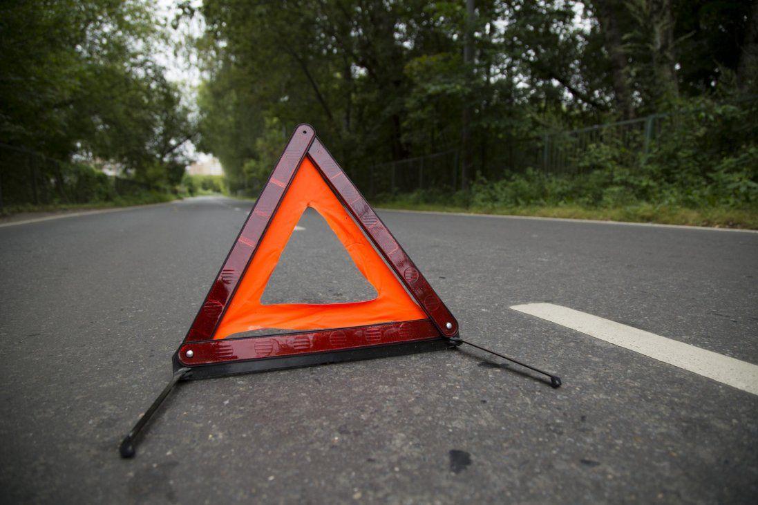 У Києві авто пробило відбійник і вилетіло на зустрічну (відео)