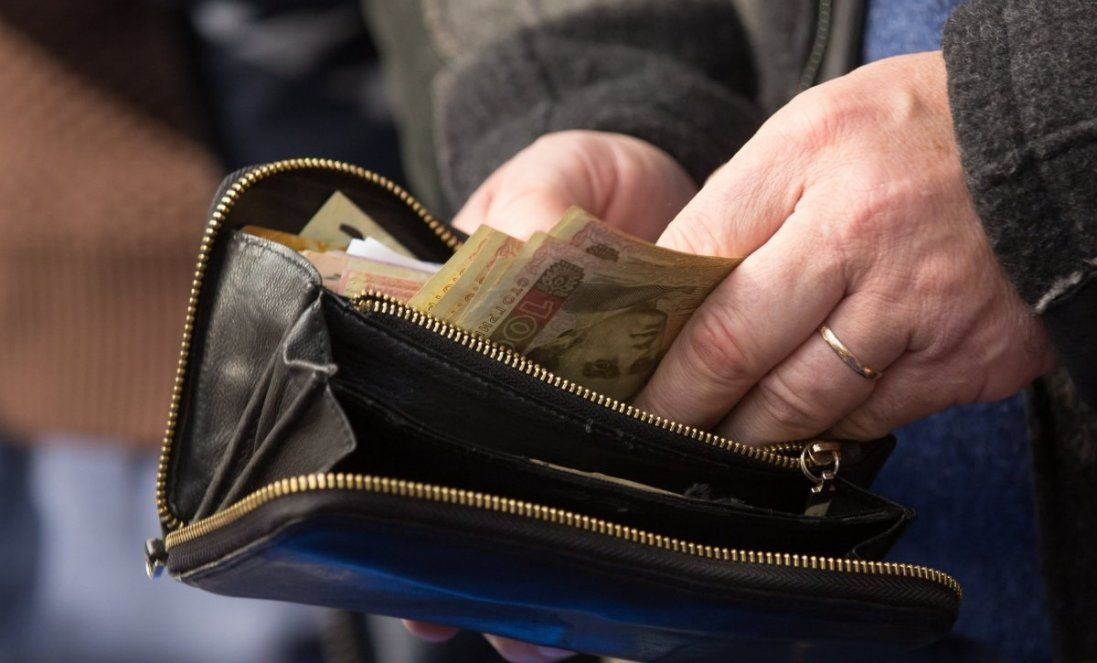 На Волині у пенсіонерки вирвали з рук гаманець з 20-ма тисячами