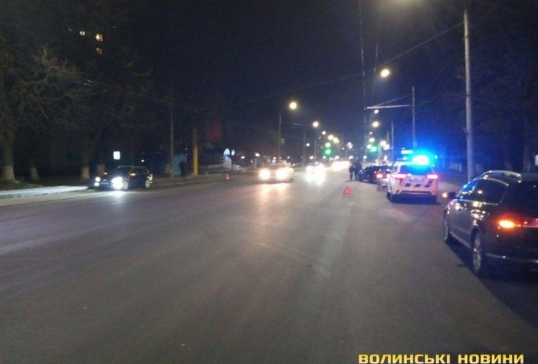 ДТП у Луцьку: зіткнулися автомобілі BMW, двічі викликали «швидку» (фото)