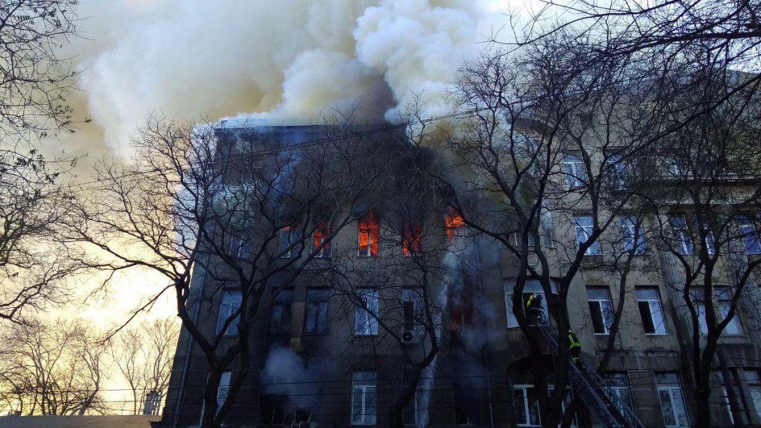 Повідомили про стан постраждалих під час пожежі в Одесі