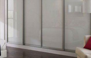 Шафа-купе на всю стіну: як обрати вигідний та практичний варіант