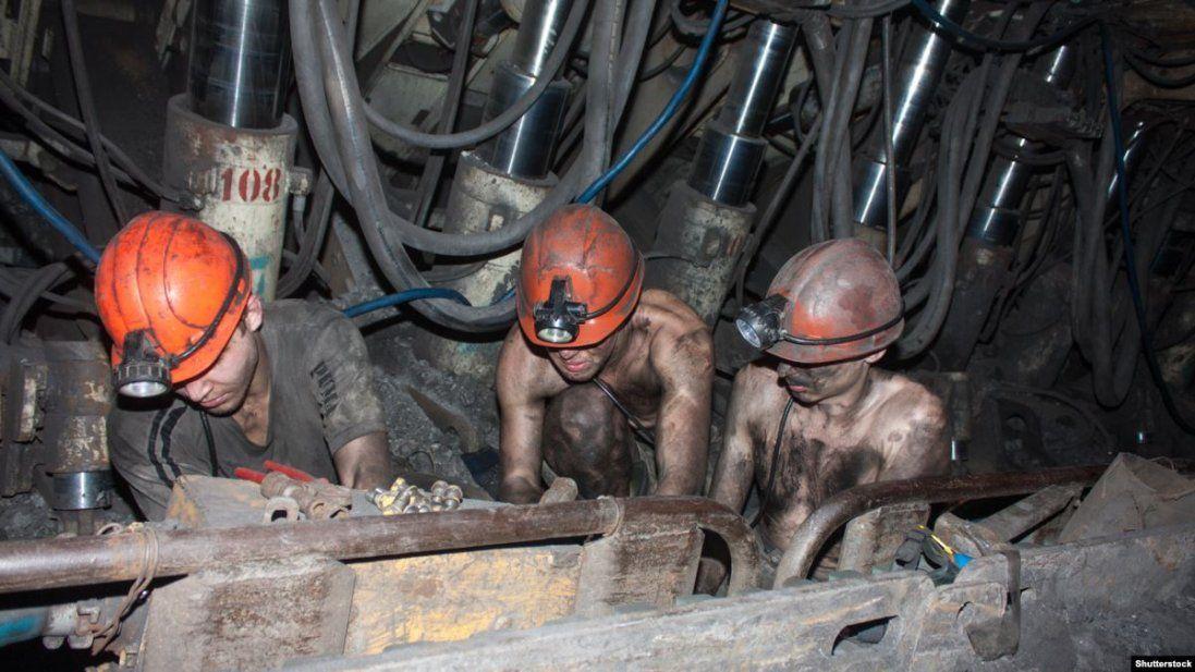 Скільки грошей виділили на погашення боргів із зарплати шахтарям