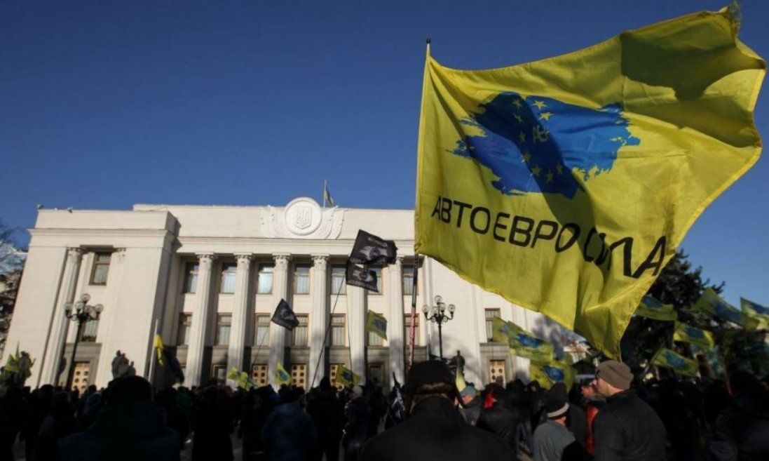 Євробляхери погрожують блокувати пункти пропуску України (відео)