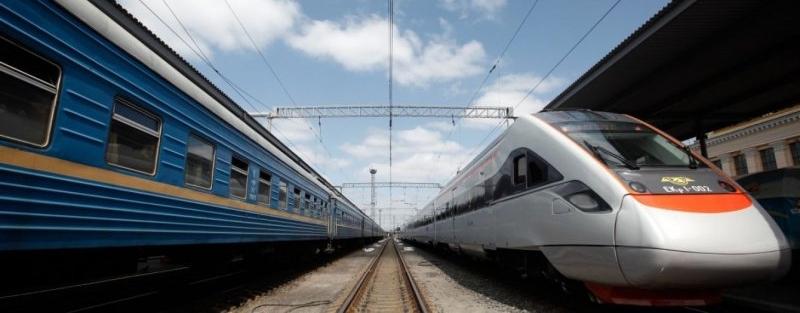 Хулігани розгромили вагон потяга