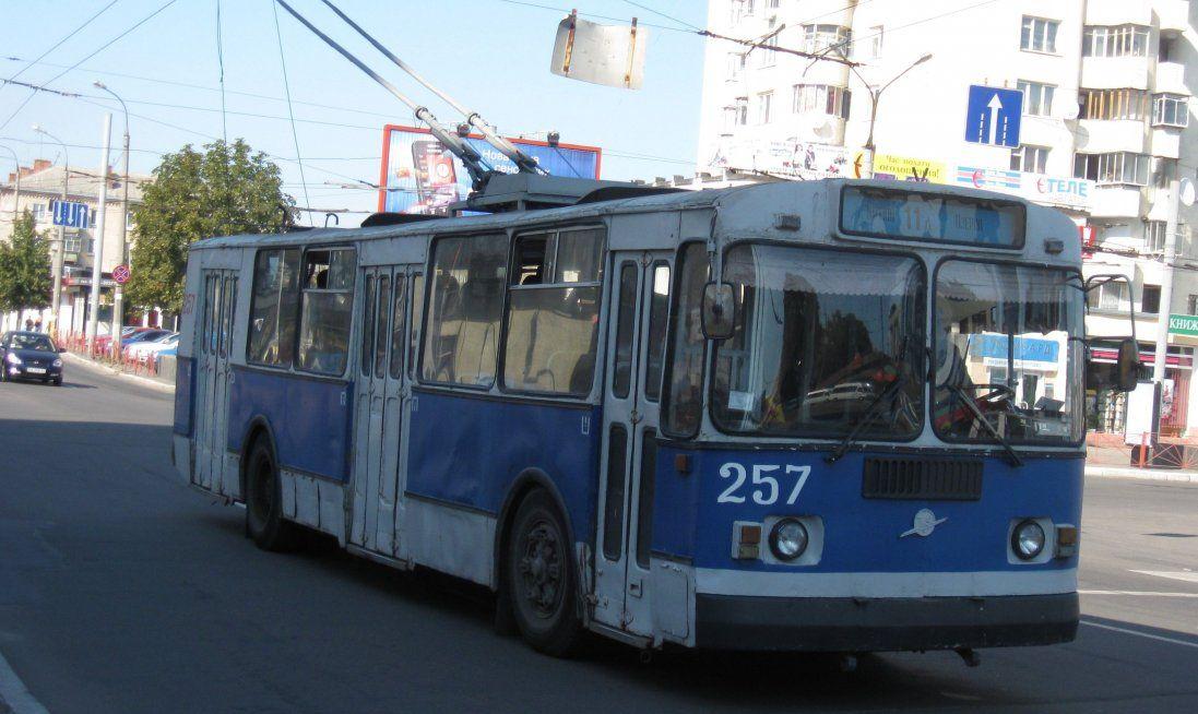 У Луцьку загорівся тролейбус з пасажирами