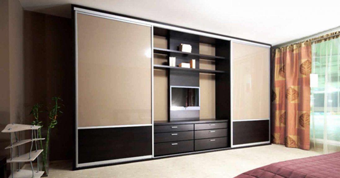 Як вибрати шафу-купе для спальні: практичні поради