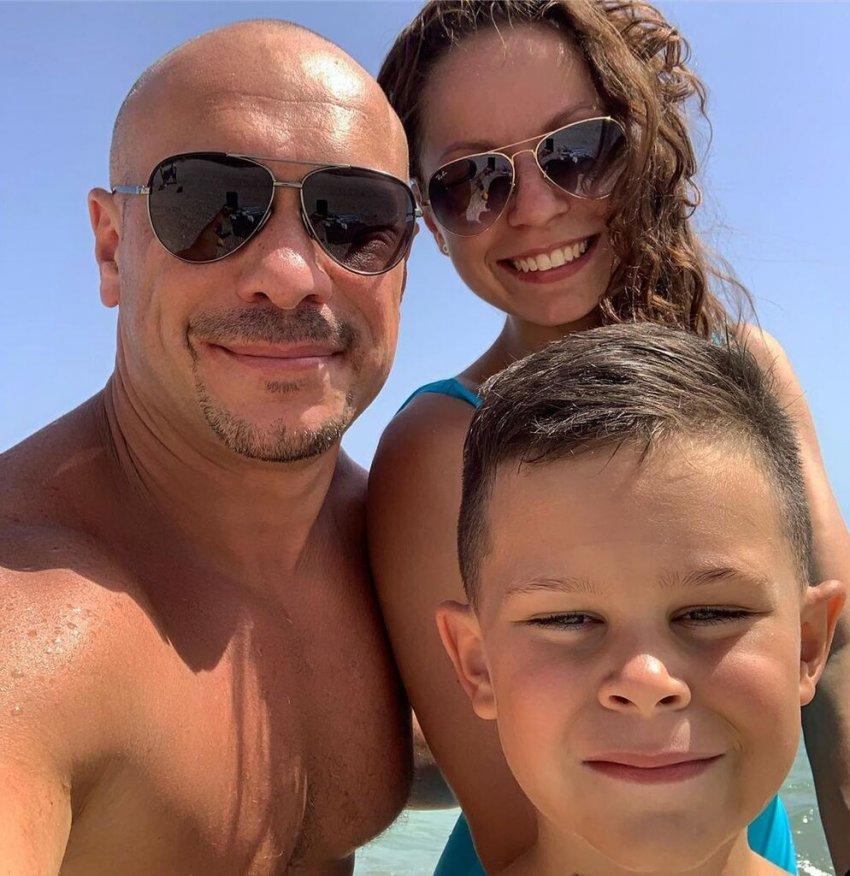 Ілля Ківа з сином і донькою