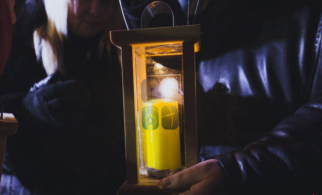 Зеленському передали Вифлеємский вогонь (фото)