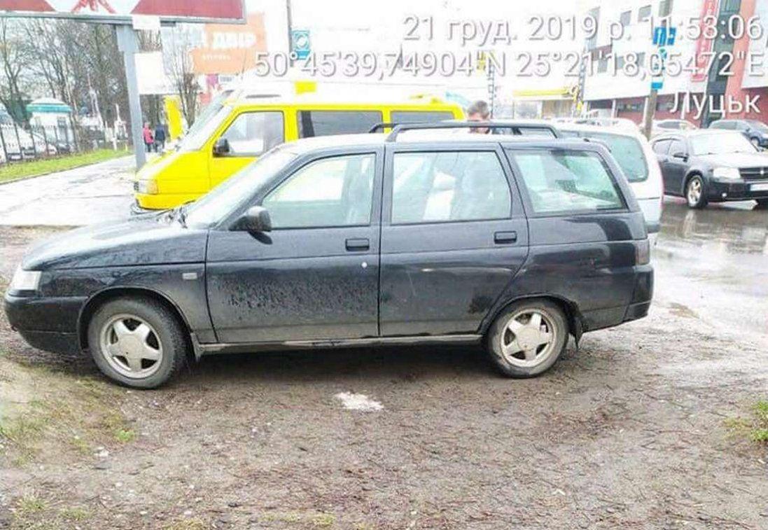 У Луцьку врятували чоловіка, якого в машині схопив інсульт