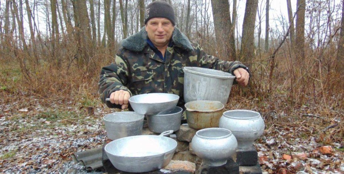 Пательні, казани, вафельниці – волинянин виготовляє екологічно чистий посуд