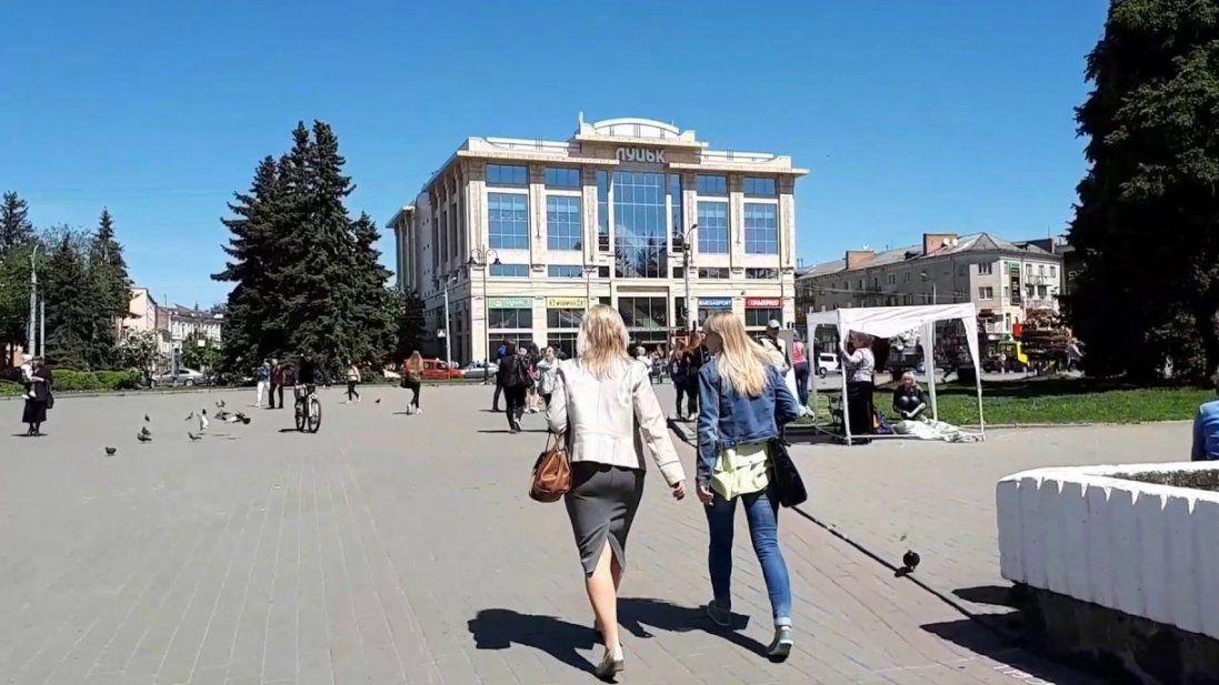 У Луцьку вимагають повторного конкурсу на краще облаштування Театрального майдану