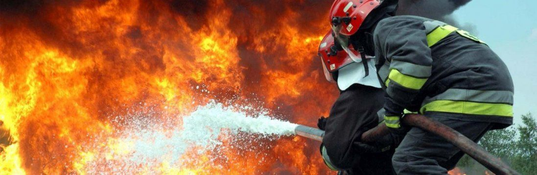 На Рівненщині через вибух газового балону згоріло авто (фото)