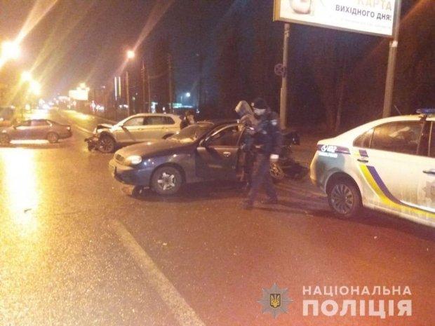 Подвійне ДТП у Харкові: постраждали двоє поліцейських та підліток / Фото: Нацполіція