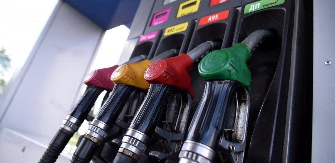 Президент закликав АЗС знизити ціни на пальне