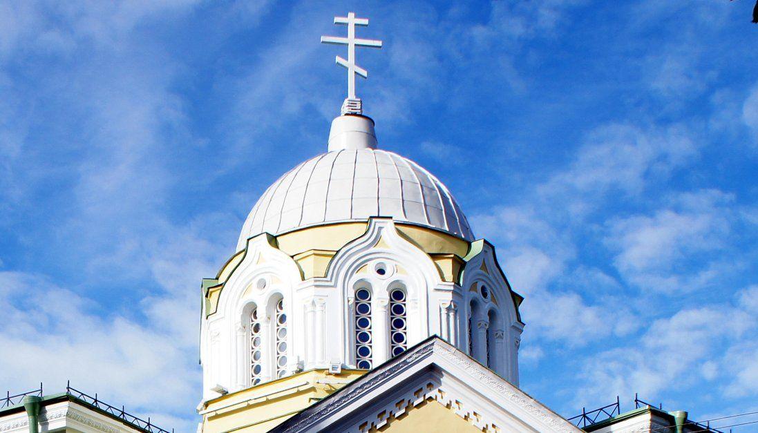 Фатальне будівництво: на Волині чоловік зірвався з даху церкви