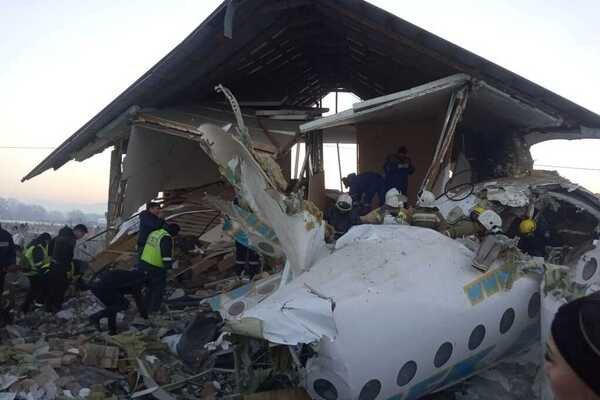 У Казахстані розбився літак