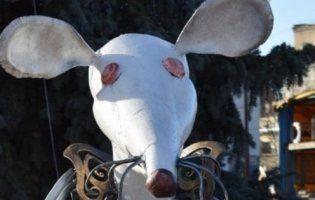 Спадковий луцький коваль поділився секретами художньої ковки