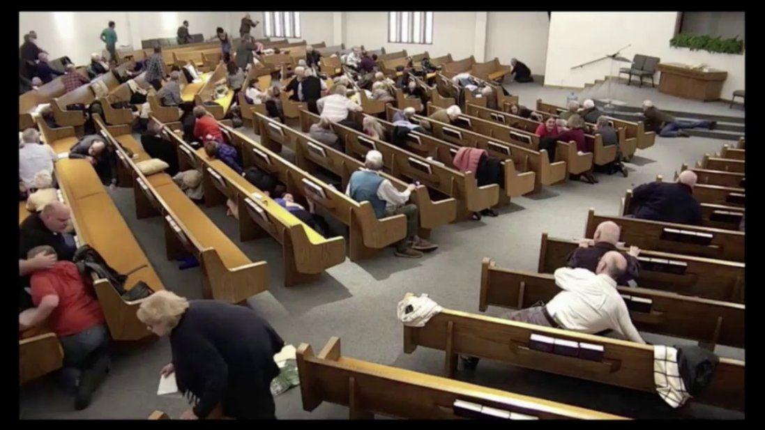 У США у церкві влаштували стрілянину, є загиблі (відео 18+)