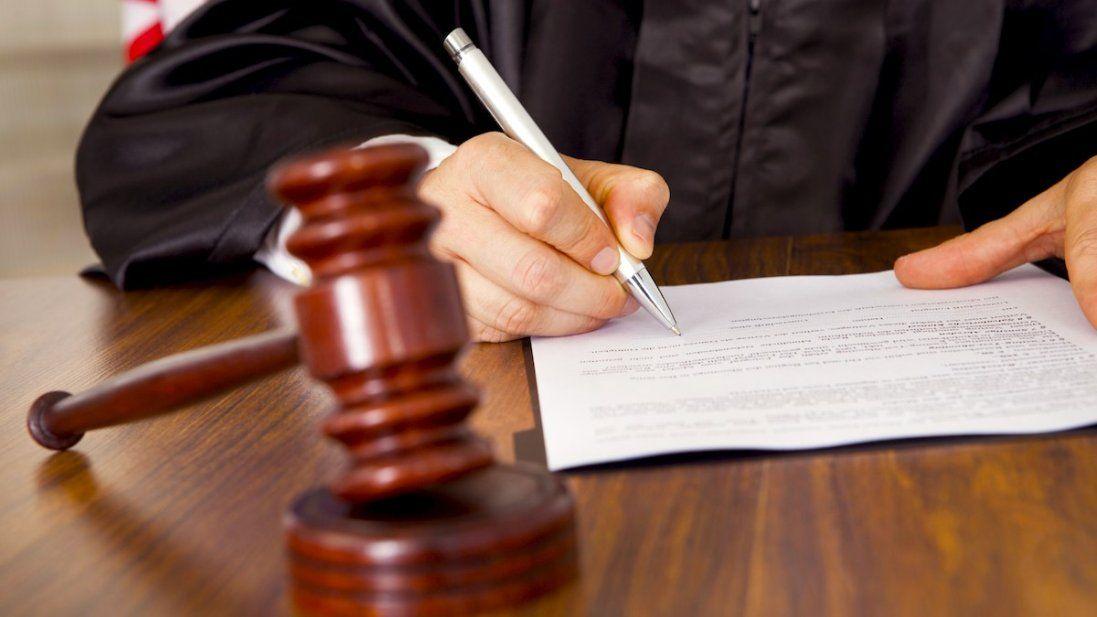 У Луцьку судили чиновницю за незаконне призначення допомоги на дитину