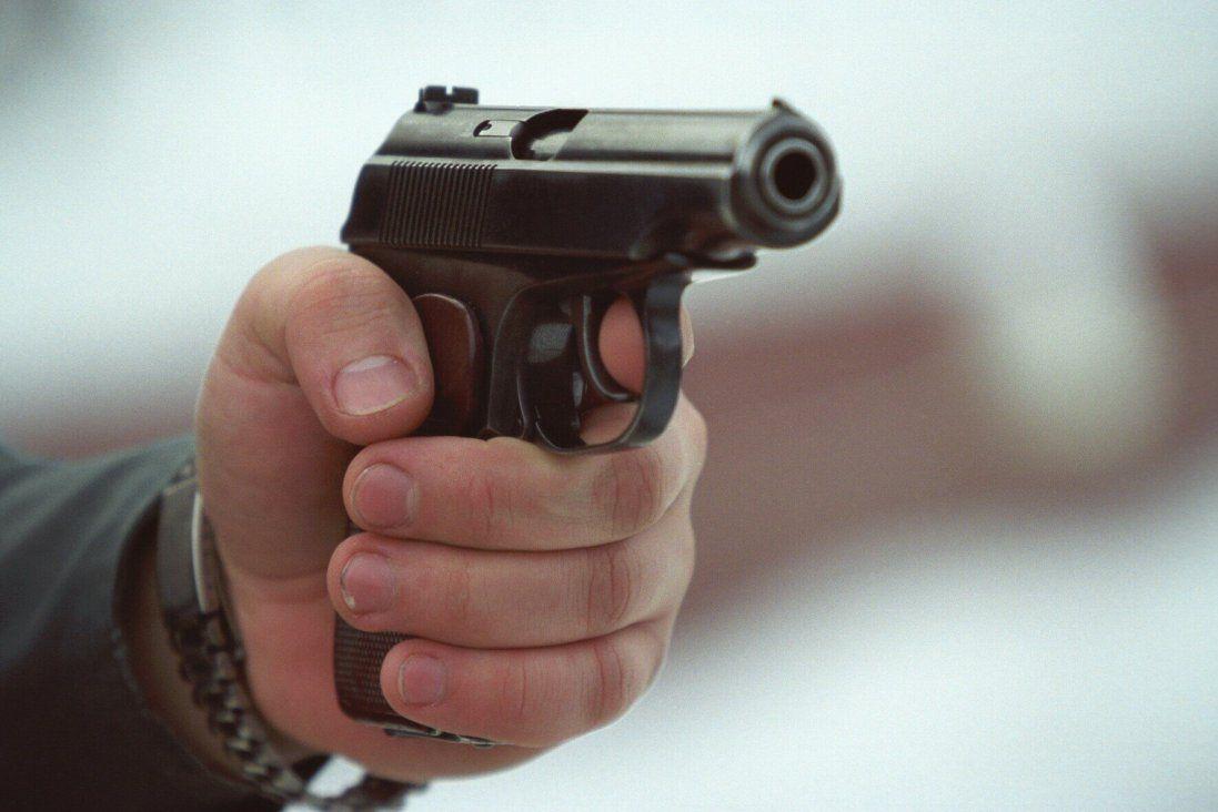 УМиколаєві депутат погрожував поліцейським пістолетом(відео)