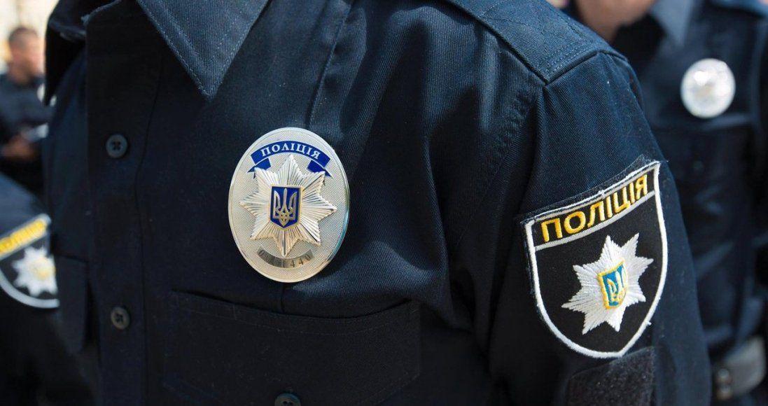 УКиєві п'яний чоловік зламав палець поліцейському