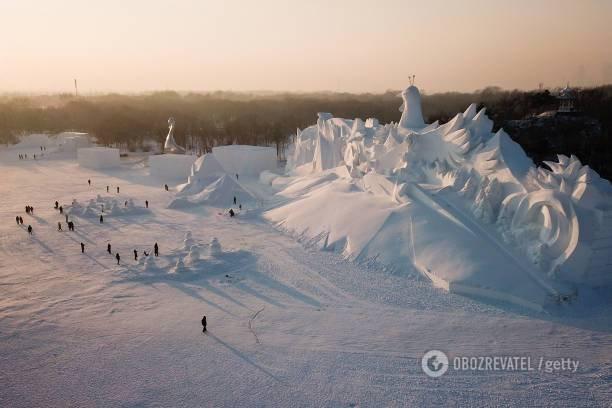 У Китаї показали грандіозний фестиваль скульптур з льоду